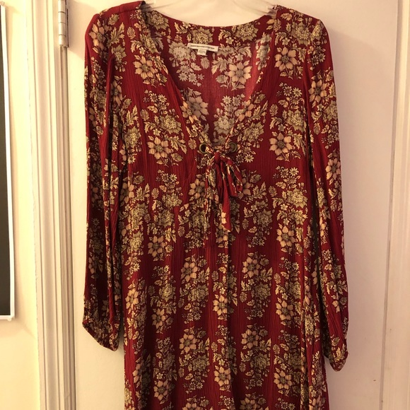 American Eagle Outfitters Dresses & Skirts - AE Red Floral Long-Sleeved Dress